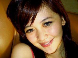 http://1.bp.blogspot.com/_YeKBt_0Pe6U/S5cNliGRqrI/AAAAAAAAAYo/pk2UoQhLdz8/s320/cewek+gokil+104.jpg