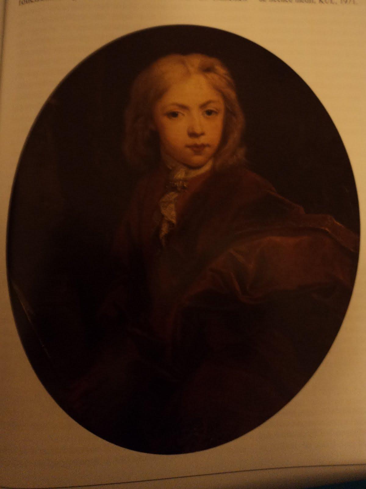 ... II se sitúa junto al cuadro de su hermano, el príncipe Felipe