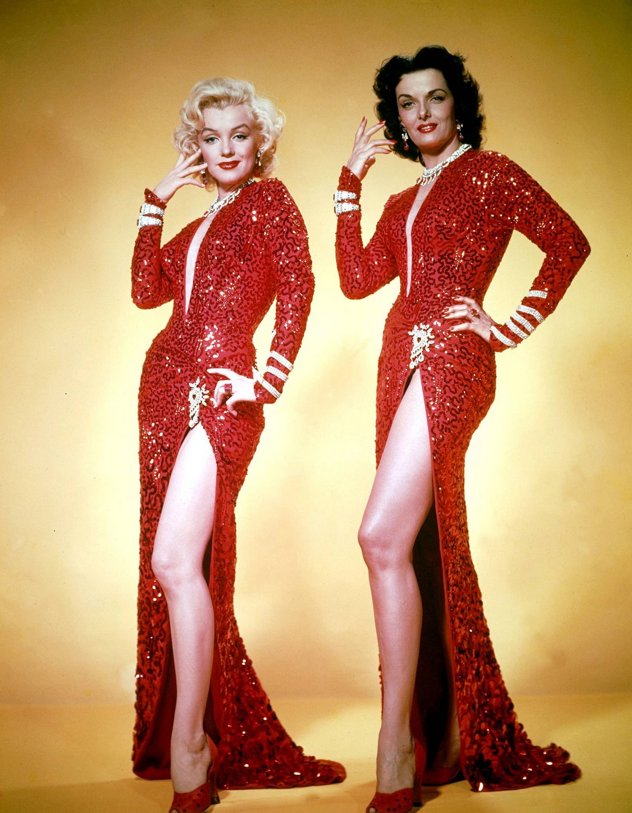 http://1.bp.blogspot.com/_YgDKSHqALuM/SMLZV90R9NI/AAAAAAAAAeg/uPFLCVoLlDQ/s1600/MARILYN+MONROE+&+JANE+RUSELL+-+Gentlemen+Prefer+Blondes+-+1953+--.jpg