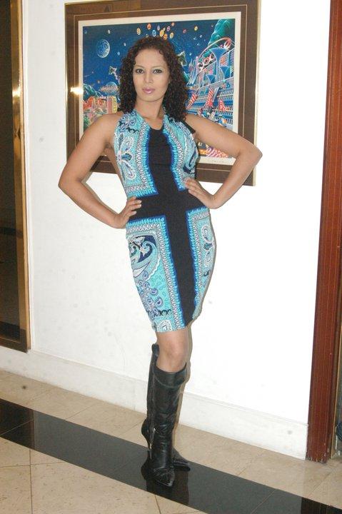 http://1.bp.blogspot.com/_YgVIy1rP_Kw/S-j0_uW4v9I/AAAAAAAABF8/0Q7QHIbA-wY/s1600/Kanchana+Ratnayake.jpg