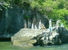 Entrada a la Cueva de La Virgen