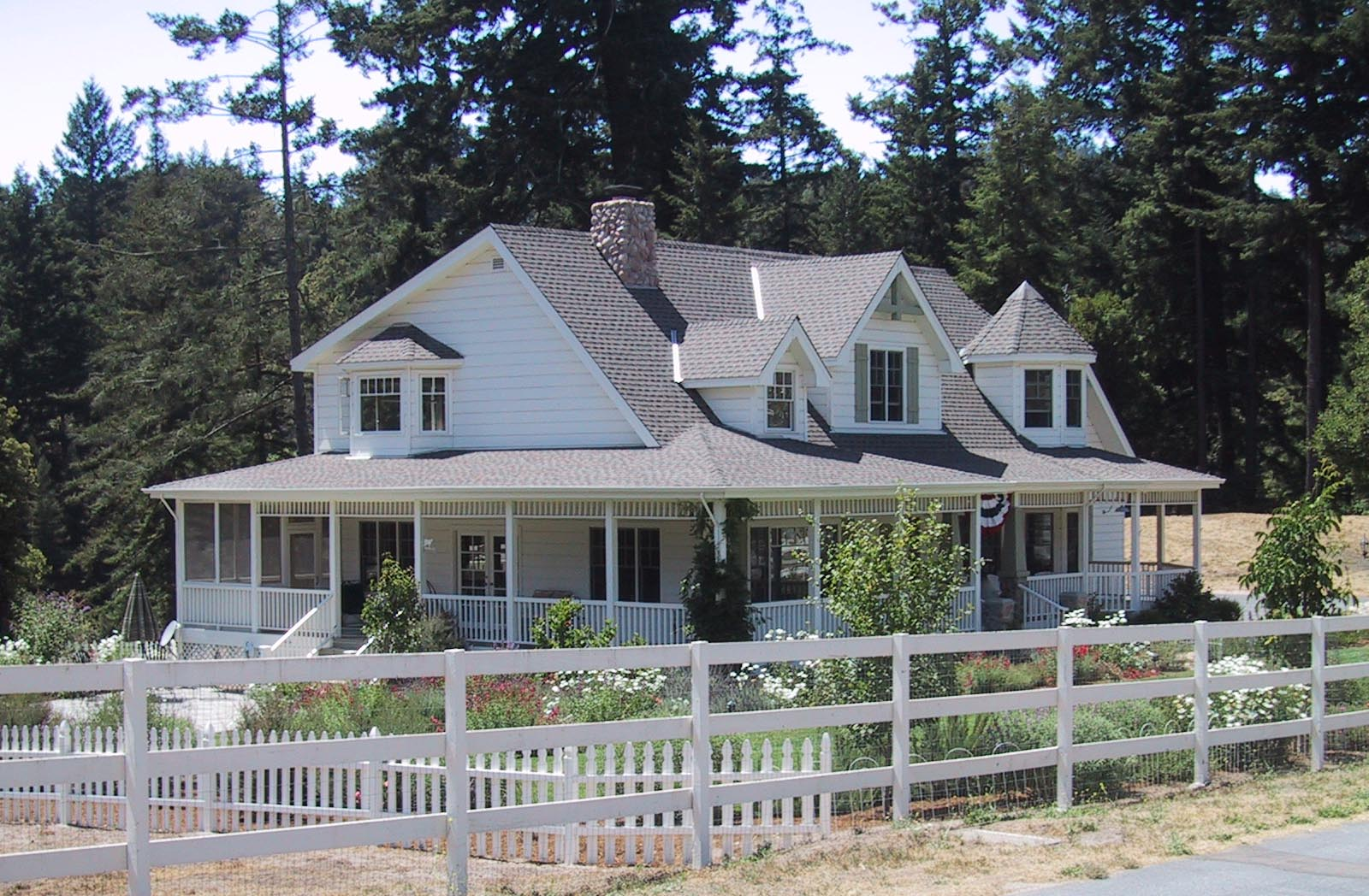 Indulgy everyone deserves a perfect world for House plans with wrap around porches