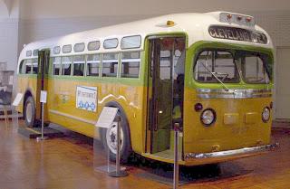 أشهر تاريخ أمريكا 800px-Rosa_Parks_Bus.jpg