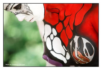 Body Paint  red