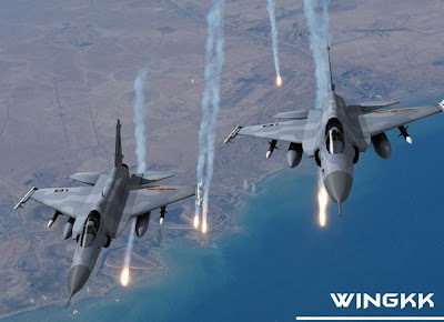 الصين : الحكومة المصرية بدأت الانتاج المشترك لجى اف 17 بعدما اشترت 48 واحدة والصين تصدر المدفع بلز 4 Jf17_thunder2