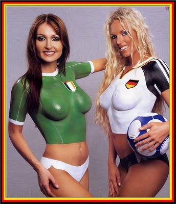 Football Body Paint Girls - Soccer Babe
