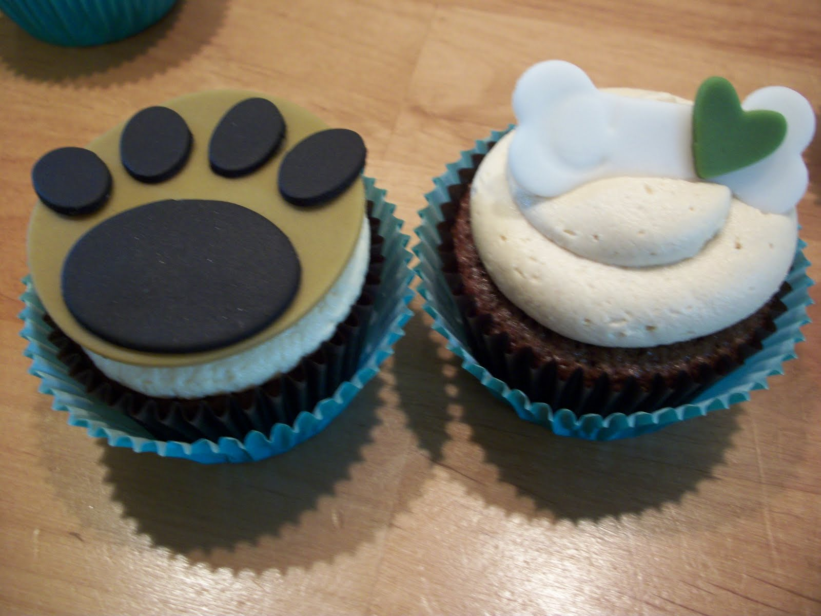 Fondant Paw Prints and Bones with Letter C