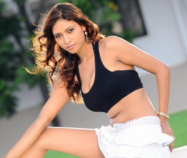 Hot model actress  Krishikha Gupta spicy pics glamour images