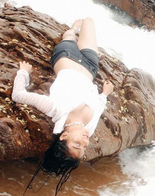 swati priya romantic glamour  images