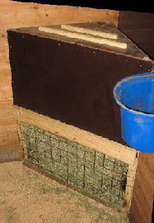 Paddockparadijs gesloten hooibakken - Plaat hoek bakken ...