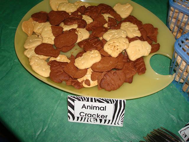 Animal Cracker Birthday Cake