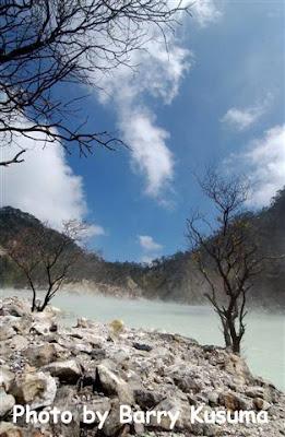 Foto Kawah Putih Di Gunung Patuha, Bandung [ www.BlogApaAja.com ]