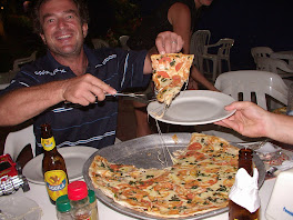 L'equipage d'Aquarius retrouve la pizza!