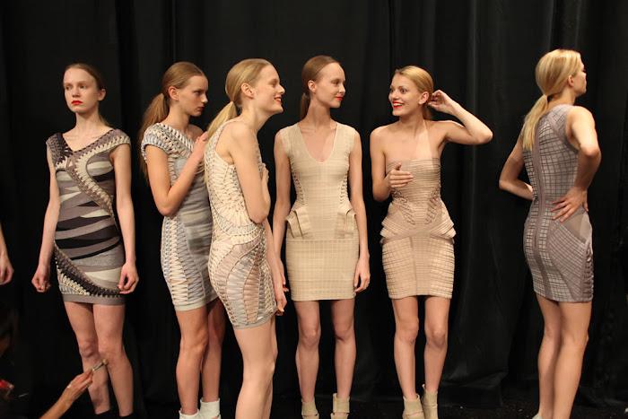 Os vestidos Hervè Lèger foram os mais usados e tambem os mais copiados de 2009