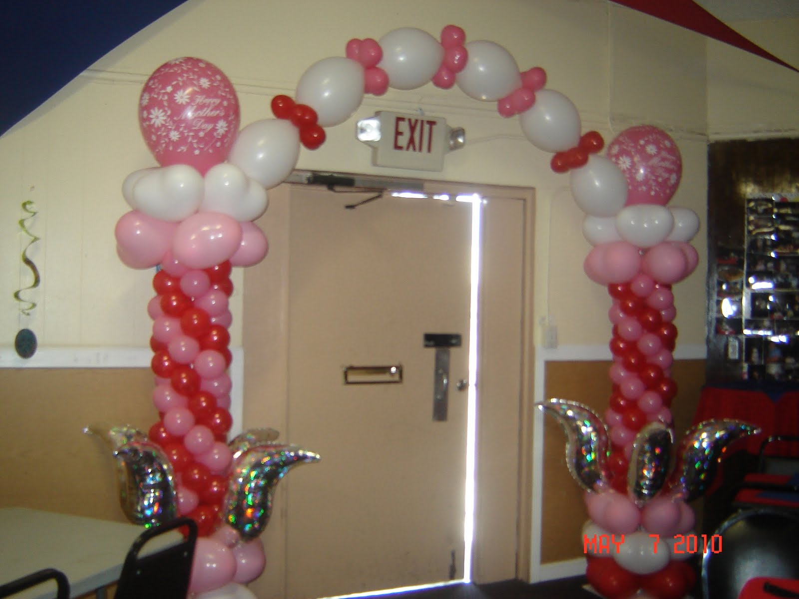 Craft pastry decoraci n con globos for Decoracion con globos
