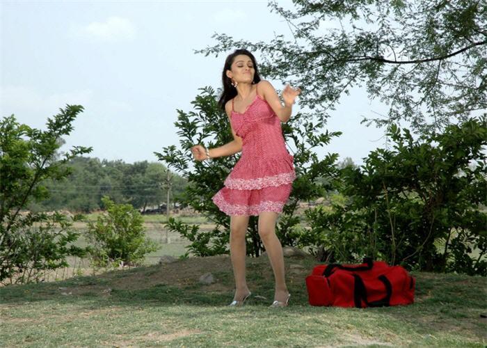of arya ora heroine of padaharella vayasu cute stills