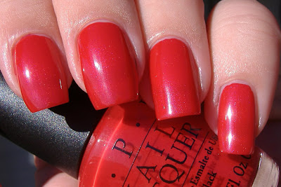 opi oui bit of red swatch