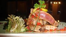 entrecotte de atun, carpaccio de pato, vinagreta de guindillas, salsa de soja y ensalada de fideos