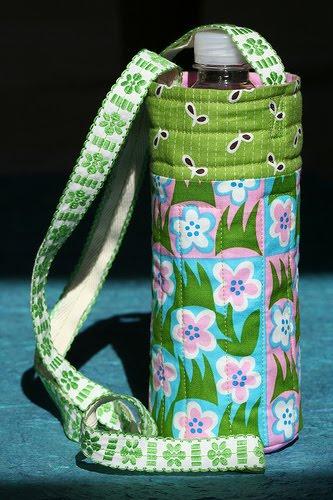 Free Pattern: Pink Chalk Fabric's Water Bottle Carrier