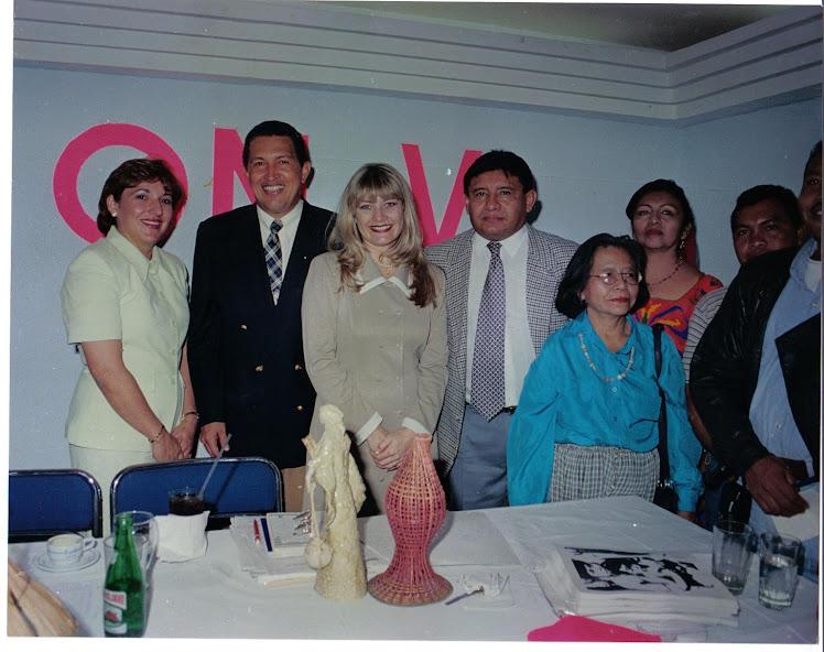 CHAVEZ Y SUS LIDERES  INDIGENAS