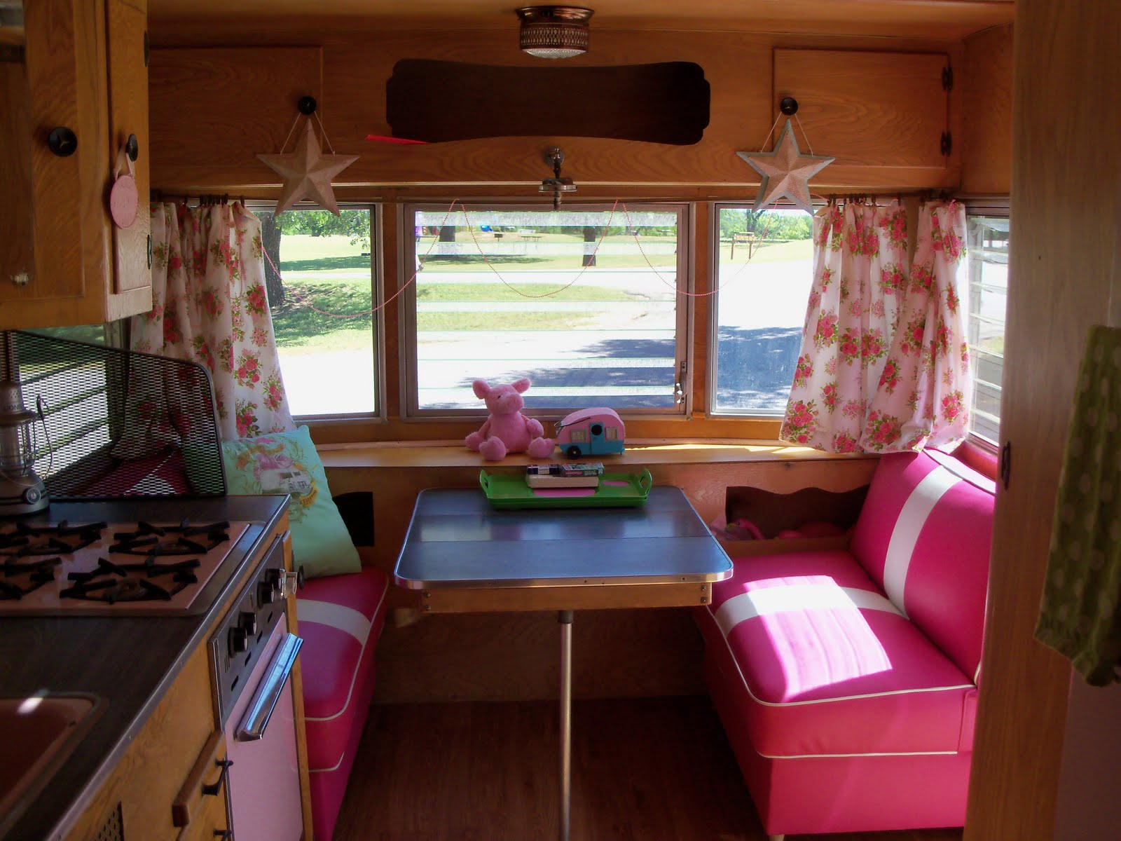 Small trailer decorating ideas joy studio design gallery Travel trailer decorating ideas
