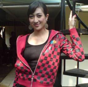 Nadia Hutagalung Foto Gambar Seksi Artis Cantik Indonesia Hot Girls