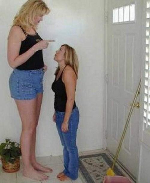 http://1.bp.blogspot.com/_YyXZ9LFygq0/THtIskwpTMI/AAAAAAAAAkI/RQsnJMvimIY/s1600/Tall-Girls-From-Around-the-World-002.jpg