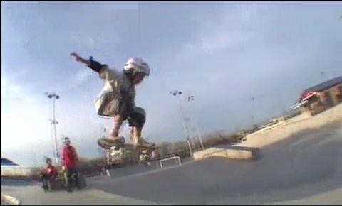http://1.bp.blogspot.com/_YyXZ9LFygq0/TKKti5G5egI/AAAAAAAAAyc/7CzbUwLHVnI/s1600/skateboard.JPG