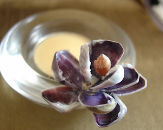 Sea shell flower candle holder