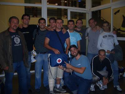 tienda tatuaje cornella llobregat. El equipo no perdía la alegría tras cascarse un viajecito a Sant Joan Les