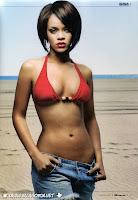 Rihanna in bikini in revista GQ