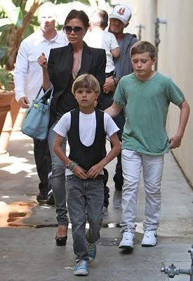 Victoria si David Beckham asteapta al patrulea copil