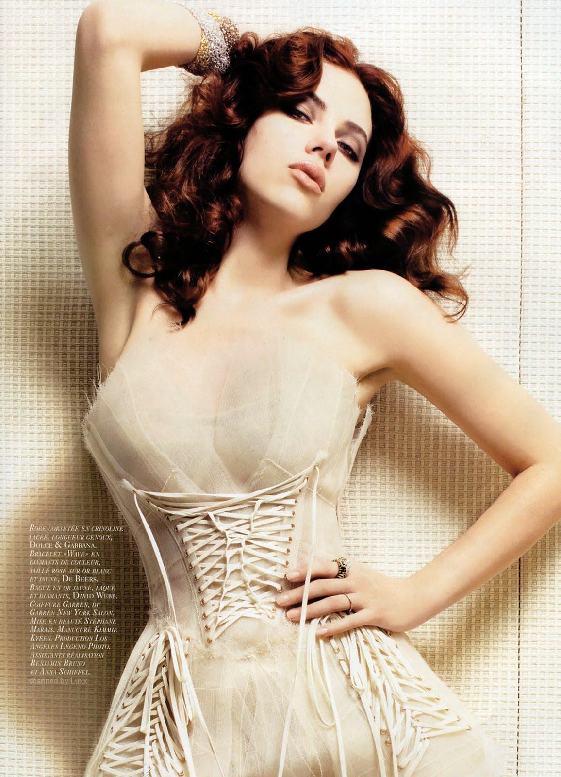 http://1.bp.blogspot.com/_YzoNgr0eLEo/TU5hpph6NpI/AAAAAAAAHrA/FNcApvc-4wY/s1600/31257_Scarlett_JOhansson_Vogue_931_122_8lo.jpg