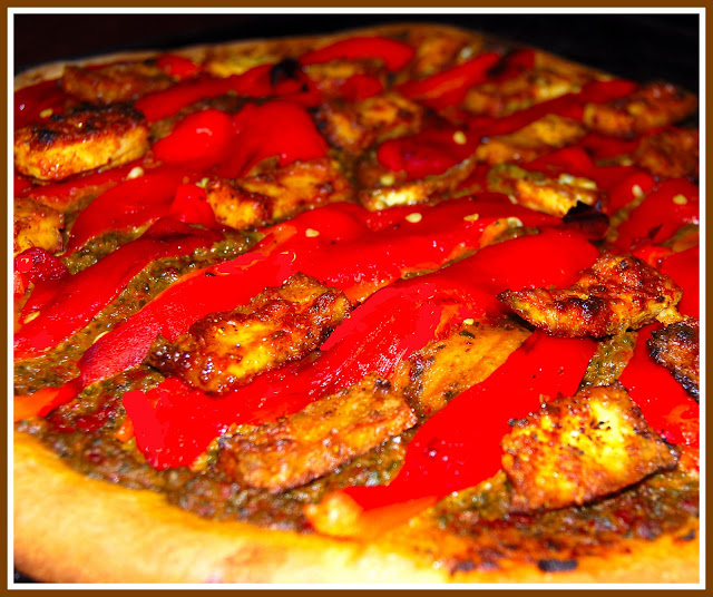 Vegan recipe for Pizza topped with Tandoori Tofu
