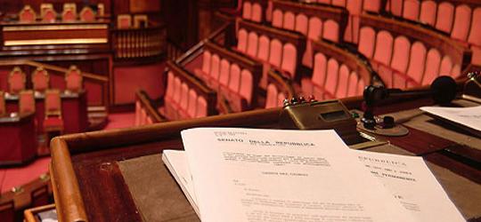 http://1.bp.blogspot.com/_Z-zk6V9-8q8/TT9bzX5W24I/AAAAAAAAAso/en3Rkc6lQTA/s640/senato_lavori.png