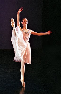 Megan Maher, ballerina, en pointe, on point, Scarsdale Ballet, ballet