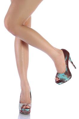 http://1.bp.blogspot.com/_Z2jrTmbDUMI/S_1trmVvnWI/AAAAAAAADSg/_ZkTmwloJBM/s1600/meia+pata+sapatos+_+brech%C3%B3+na+internet+6.jpg