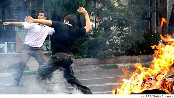 http://1.bp.blogspot.com/_Z4wP5A80j-k/Sj2FK7YqEdI/AAAAAAAADDo/5dCh0Tplb9w/s800/Iran_election_june_20_17.jpg
