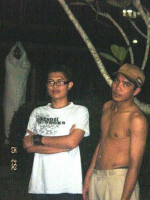 suwardi3035.blogspot.com: Penampakan Pocong Saat Foto B