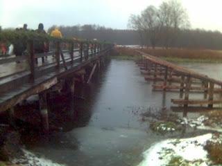 Мост через Нёман к монастырю в Лавришево