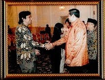 Presiden SBY di Istana Negara dengan Ikang Fawzi (REI)