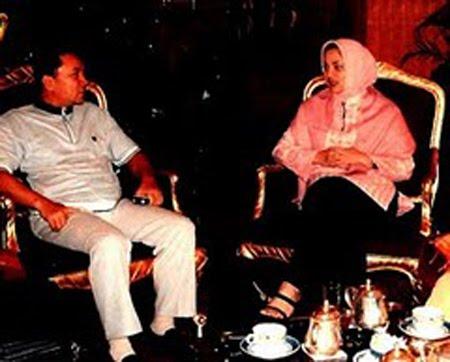 Menteri Kehutanan RI Zulkifli Hasan dan Kand Doktor Marissa Haque (IPB)