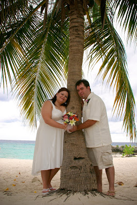 Warm Breezes, Palm Trees and Quiet Beach for 10th Year Vow Renewal in Cayman - image 1