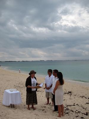 Simple, Barefoot Beach Wedding on Grand Cayman - image 2