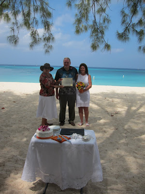 Missouri Couple Enjoy Their Cayman Beach Wedding - image 2
