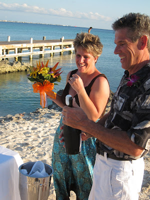 Cayman Island Pier Wedding for Illinois Pair -image 6