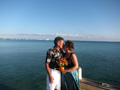 Cayman Island Pier Wedding for Illinois Pair -image 4