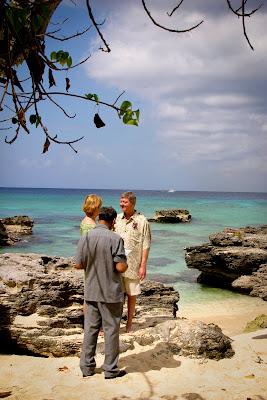 Eloping Texans Enjoy Their Easter Cayman Cruise Wedding - image 2