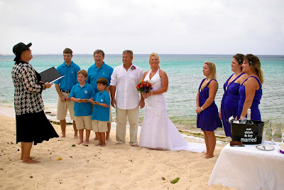 Showers didn't stop this Cayman Island Wedding - image 2