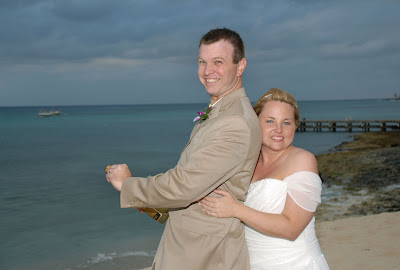 Scottsdale Couple Make the Most of a Grand Cayman Wedding! - image 3